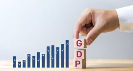 Indian economy contracts by 7.3% in FY 2021
